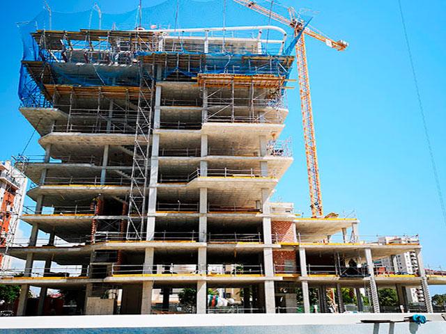 ¿Cómo se construye un edificio de hormigón?